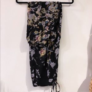 Soft Comfy Floral Pants with pockets | Size Large